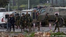 soldados israelíes en Cisjordania en el puesto de control de Beit El