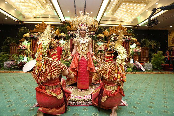 Pernikahan Adat Palembang Icha dan Aga - Photo 8-16-15, 7 52 09 PM