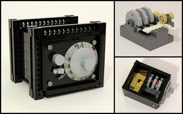 Working combination safe built from LEGO