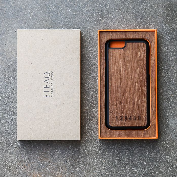 ETEAQ's iphone 6 case - beautifully made with recycled teak wood and biodegradable recycled plastic. Don't forget to pay attention to the handmade packaging. Ready to re-use!  Order now at www.eteaq.com/the-shop/iphone-6-case-pure-collection.html