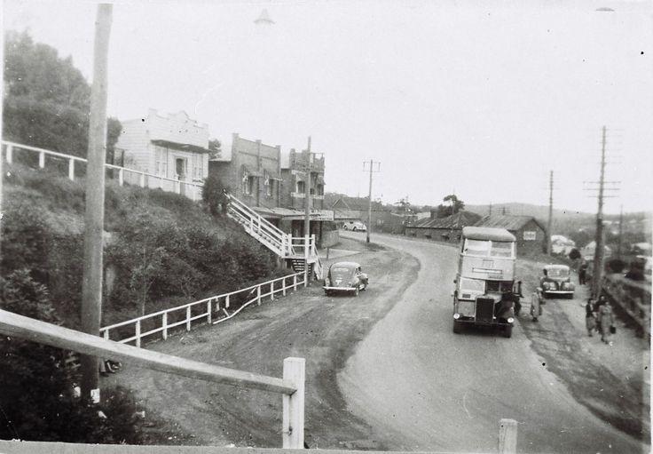 Main Road, Cardiff (top side of Railway Bridge), 1940.