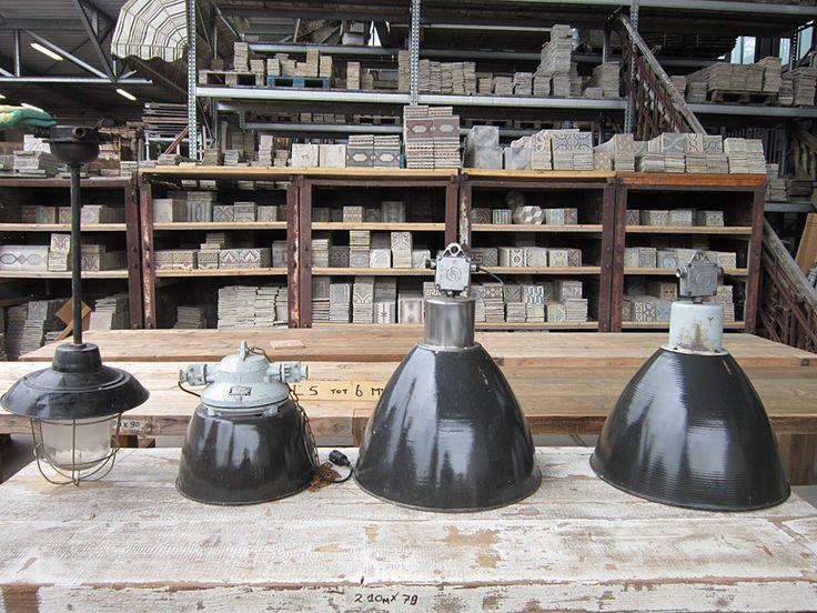 Industriële bouwlampen  (oudebouwmaterialen.nl winkel in Eemnes)