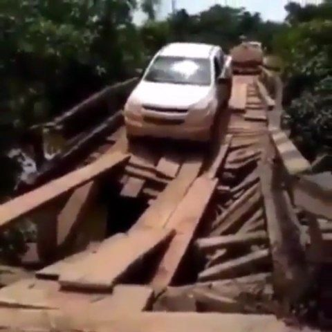 Would you drive? - - - #car #cars #luxury #safety #safe #safetyfirst #truck #trucks #accident #rim #rims #wheels #boost #boosted #exhaust #jdm #supercar #tuning #parts #osha #workers #driver #mechanic #osha #workers #bridge