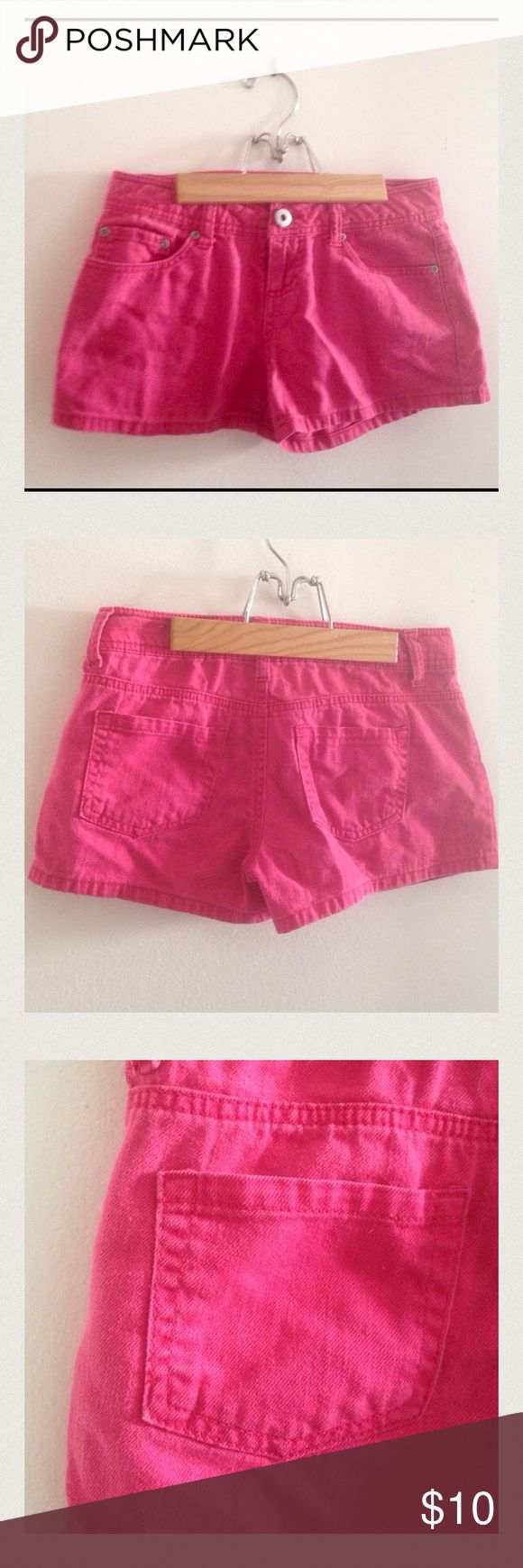 SO Hot Pink Shorts Juniors Size 3 So cute for summer! Gently used but no signs of wear! SO Brand hot pink shorts. Juniors size 3 100% cotton. MEASUREMENTS Laying Flat: Waist 14.5 inches Inseam 2.5 inches. SO Shorts Jean Shorts