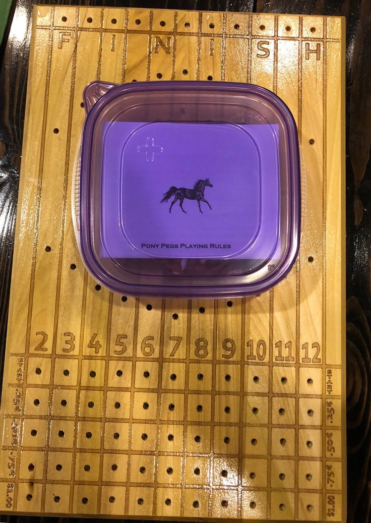 Horse racing dice game pony pegs horse racing horse