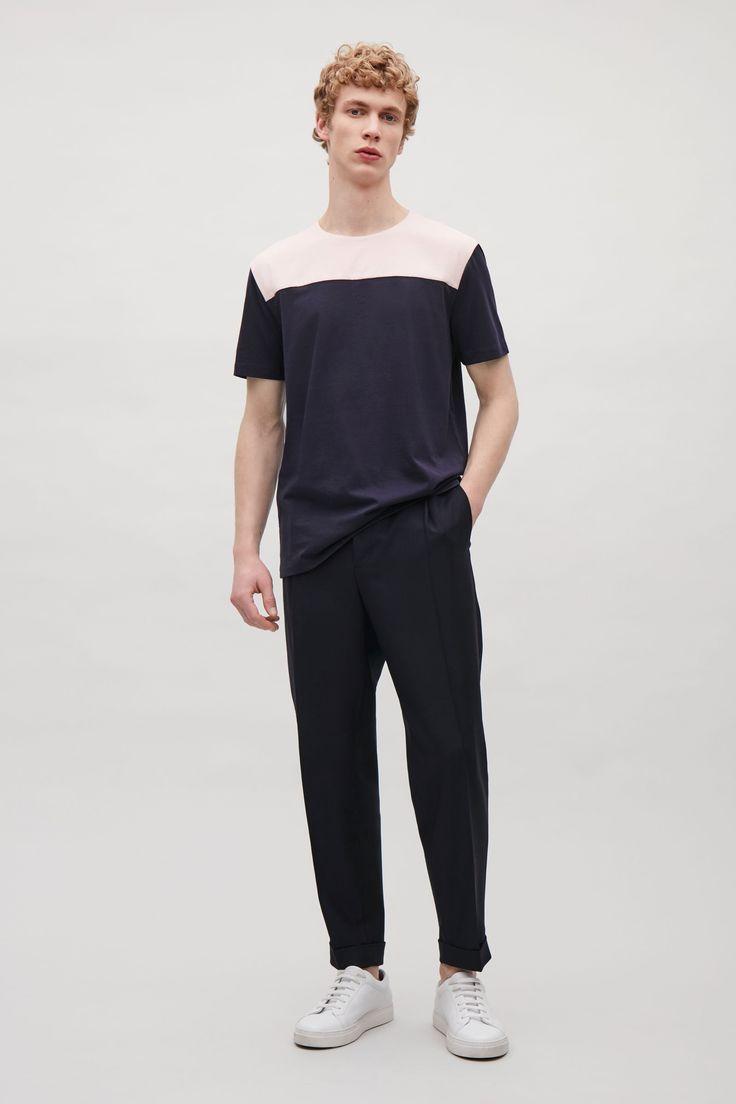 COS - Colour-block t-shirt in Peach, taglia S // 25€