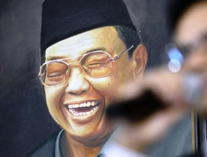 Covesia.com - Usulan Presiden Indonesia periode 1999-2001, KH Abdurrahman Wahid, atau yang akrab disapa Gus Dur sebagai pahlawan terus menguat. Terkait...