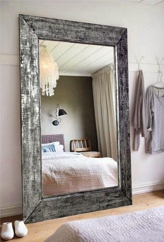 wooden mirror / lustro w drewnianą ramą - http://www.seart.pl/unikatowe-lustro-patynowanej-ramie-p-3944.html