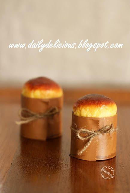 Mini Brioche: Little breads with loaded of butter!