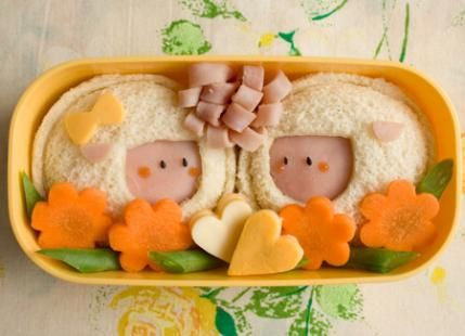 This sheep-themed Bento Box is inspiration for healthy recipes and meals that are also adorable and fun for your kids! Such a cute idea...