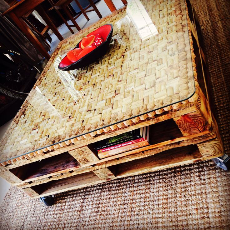 Elegant Hand Made Wine Cork/pallet Coffee Table