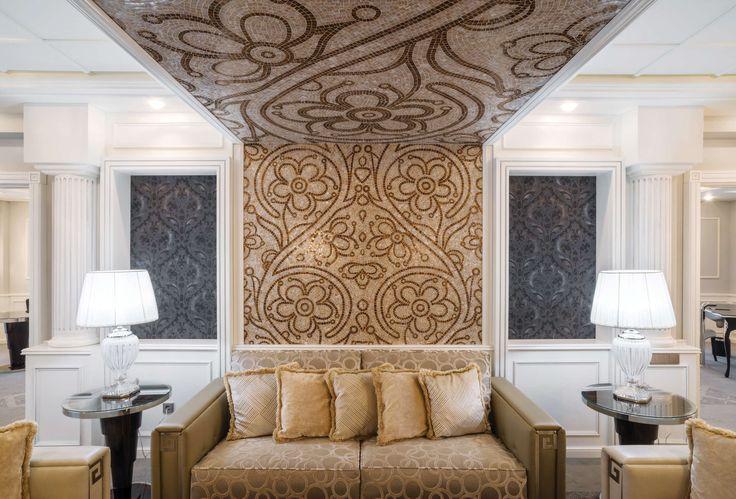 Открывшийся не так давно в центре Тбилиси пятизвездочный отель Ambasadori сделал ставку на итальянский дизайн и грузинское гостеприимство. Отель стал одним из знаковых проектов в портфолио итальянской Studio D73 Arch. Marco Vismara & Arch. Andrea Viganò. К построенной в 1980-е годы структуре здания примерно в 4000 кв. м был пристроен новый комплекс в 9000 кв. м, проект которого реализовала местная студия Qalaqproeqt.  Предложенный Studio D73 стиль — эклектика: элегантная классика в сочетании…