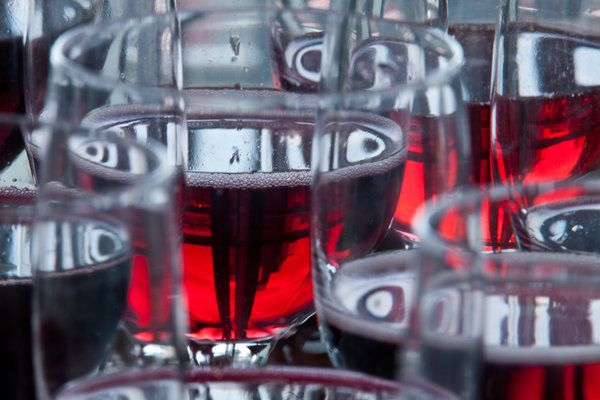 Ask Well: Health Benefits of Red Wine vs. Grape Juice - NYTimes.com