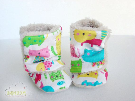 Colorful Cats Warm Baby Booties/ Baby boots/ baby by lemondreamz