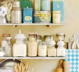 kök: Kitchens Shelves, Leila Kök, Country Living, Leilas Kök, Old Tins, Leila Kitchens, Wolfgang Kleinschmidt, Kitchens Storage, Kitchens Organizations
