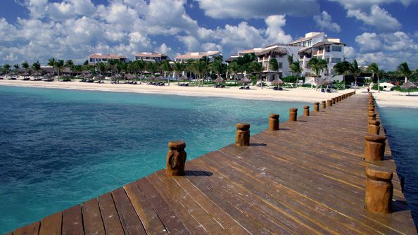 Puerto morelos on the mayan rivera just south of cancun for Puerto morelos fishing