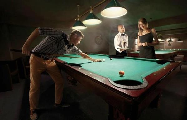 Check out the X-Large pool table pockets on this table! This would make for an easy game.