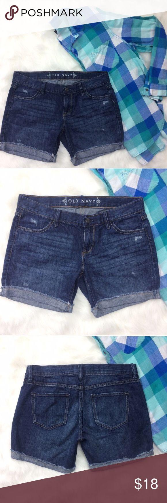 """Old Navy Jean Shorts Old Navy Jean shorts, can be worn cuffed or straight! Inseam is 5"""" cuffed. Or can be rolled twice. Waist is 16.5"""". Old Navy Shorts Jean Shorts"""