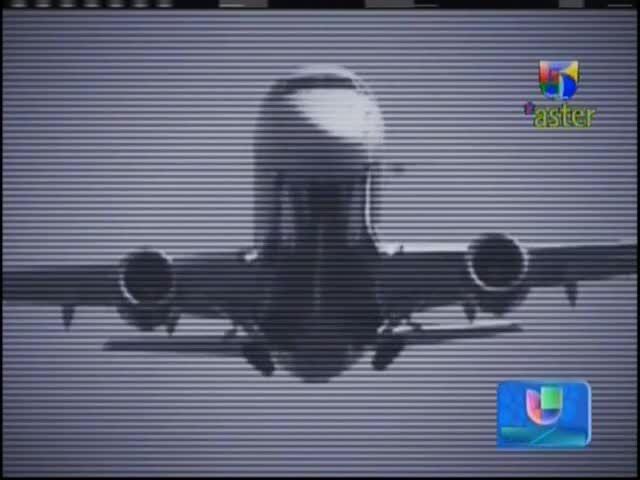 """Momentos De Terror Se Vivieron Con Pasajero En Avión Que Empezó A Gritar """"¡Yihad, Yihad!"""" #Video"""