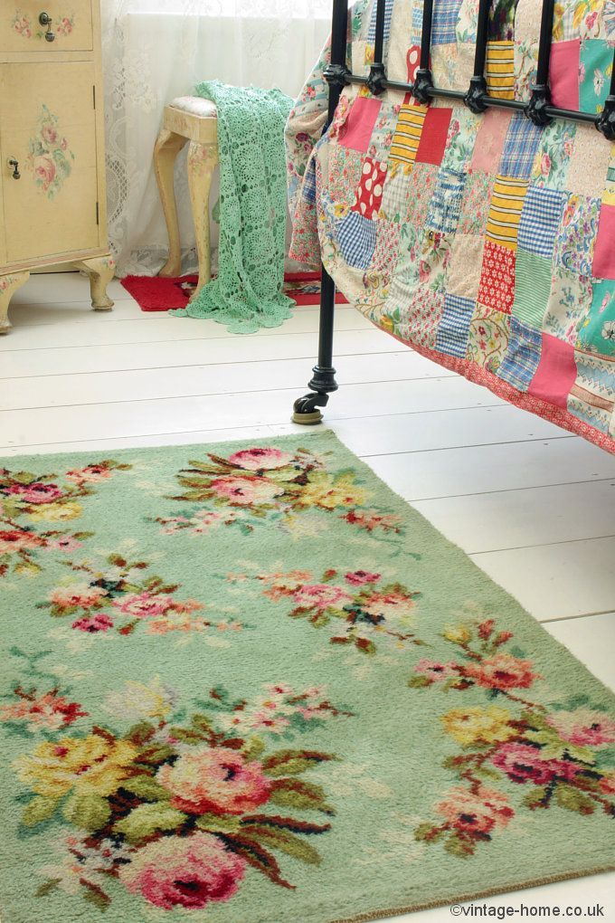 Unspeakably lovely - Pretty 1940s Rosy Green Rug: www.vintage-home.co.uk