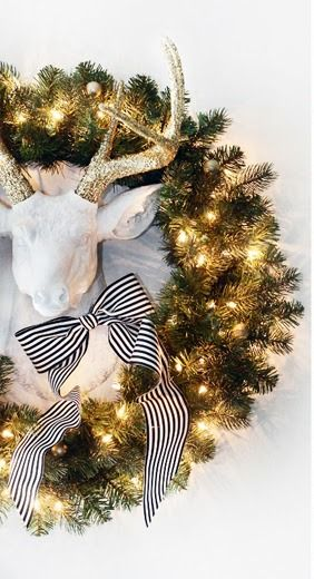 Dazzle with this adorable holiday décor.: