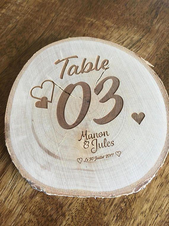 Marque place table gravure sur rodin de bois pour