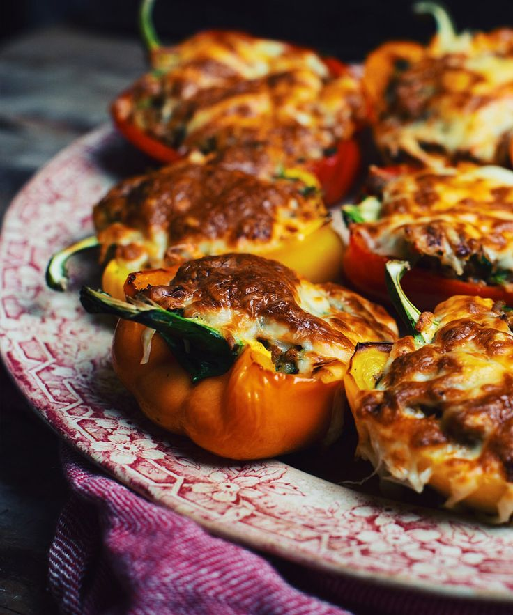 Poivrons farcis aux champignons, courgettes et saucisses italiennes