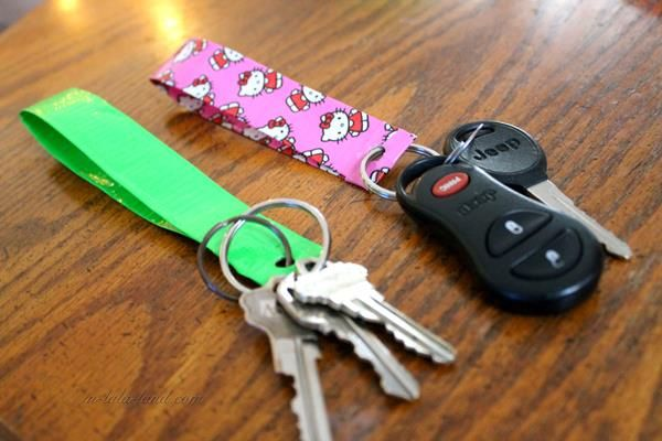 491 best duct tape crafts images on pinterest duct tape for Mini duct tape crafts