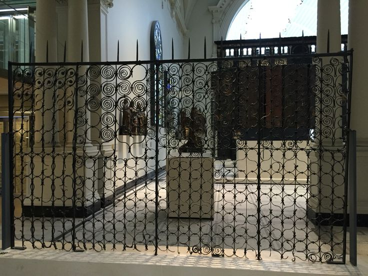 Chichester cathedral screen from about 1250