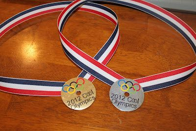 """Kids Crafts -  Olympic Medals! Make your own """"medals""""  and think of some fun games to play."""