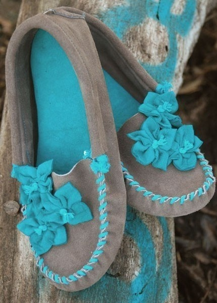 little turquoise moccasins!