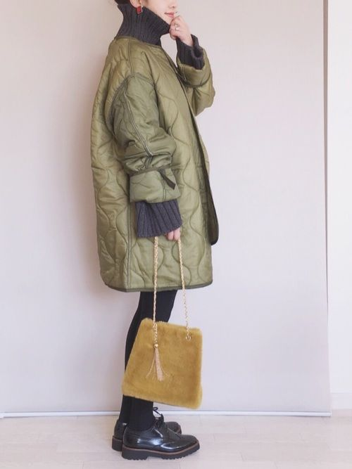 リメイクのミリタリージャケット♡ ざっくりニットと。 毎日寒いですね。 ジャケット/S ニット/FR