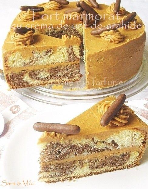 » Tort marmorat cu crema de unt de arahideCulorile din Farfurie