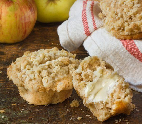 Fall Breakfast Recipe: Streusel-Topped Apple Pie Muffins — Recipes from The Kitchn   The Kitchn