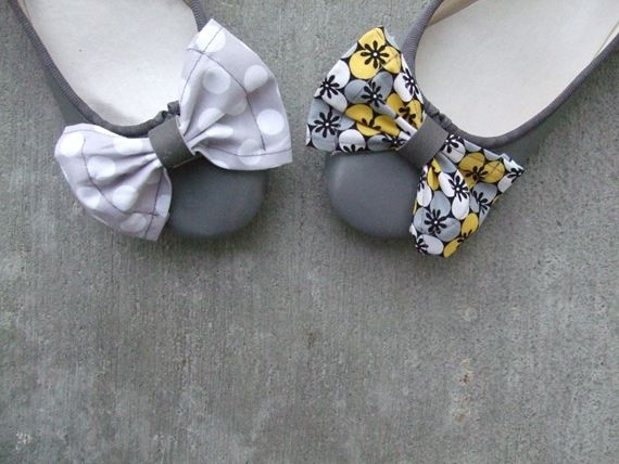 Changeable Shoe Bows TutorialTies Shoes, Lemon Squeezy, Bows Make, Free Pattern, Bows Tutorials, Interchangeable Bows, Diy Tutorials, Fabrics Bows, Shoes Clips