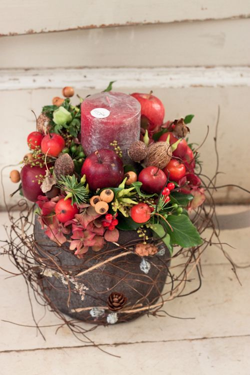 Inside Zita Elze's beautiful florist shop in Kew -December 2012 - via www.flowerona.com