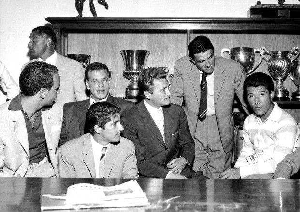 Prima del ritiro del 1957 con Giorgio Bartolini, Cesare Nay, John Charle, Giorgio Turchi, Giampiero Boniperti e Omar Sivori.