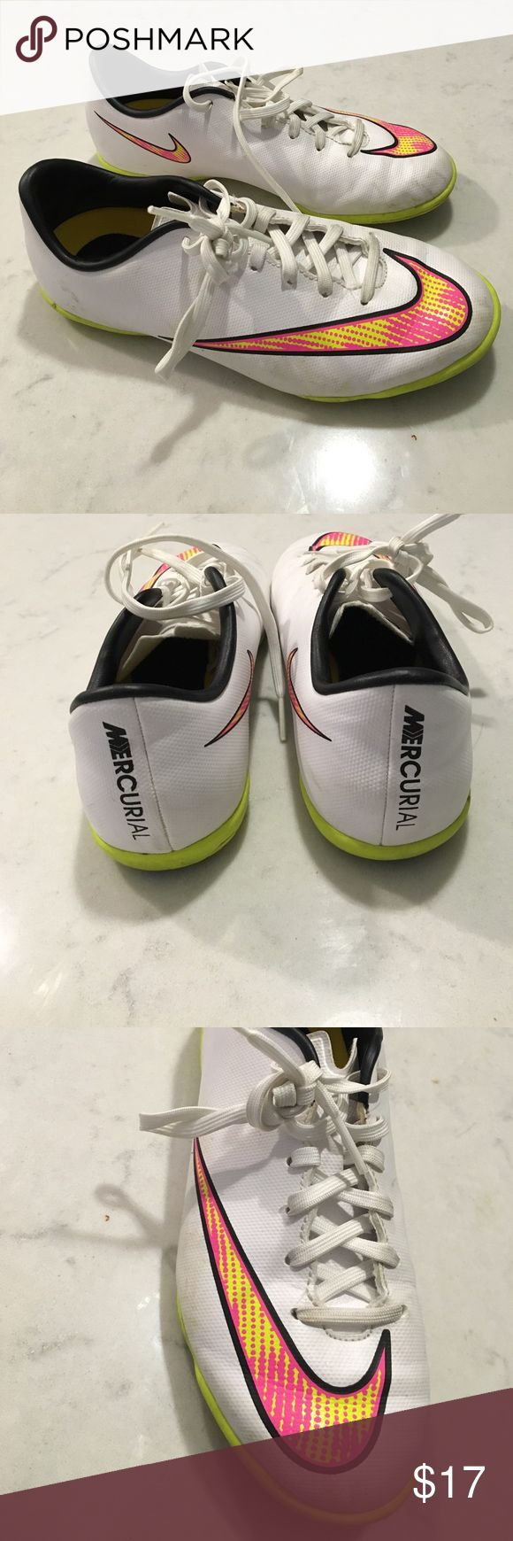 Nike Vapor Youth Indoor Soccer Cleats Nike Mercurial youth indoor soccer shoes. Size 2.5 Nike Shoes