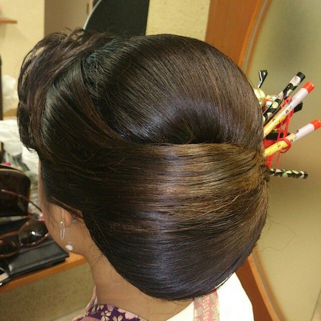 Pin By Parita Suchdev On Western Low Bun Hairstyles Hair