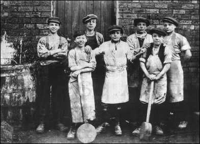 Children working in the potteries, stoke-on-trent
