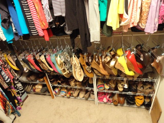 My Life in the Curvy Lane: INSIDE MY CLOSET: SHOE STORAGE DIY