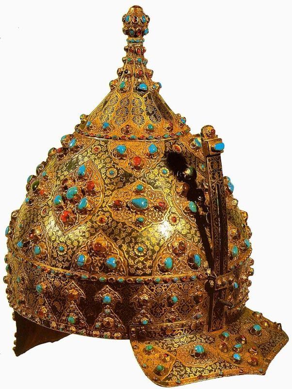 ЮВЕЛИРНОЕ ИСКУССТВО. Церемониальный шлем. Середина 16 века. Железо, бирюза, рубины; золотая насечка, чернь, эмаль. Дворец-музей Топкапы. Стамбул.Турция.