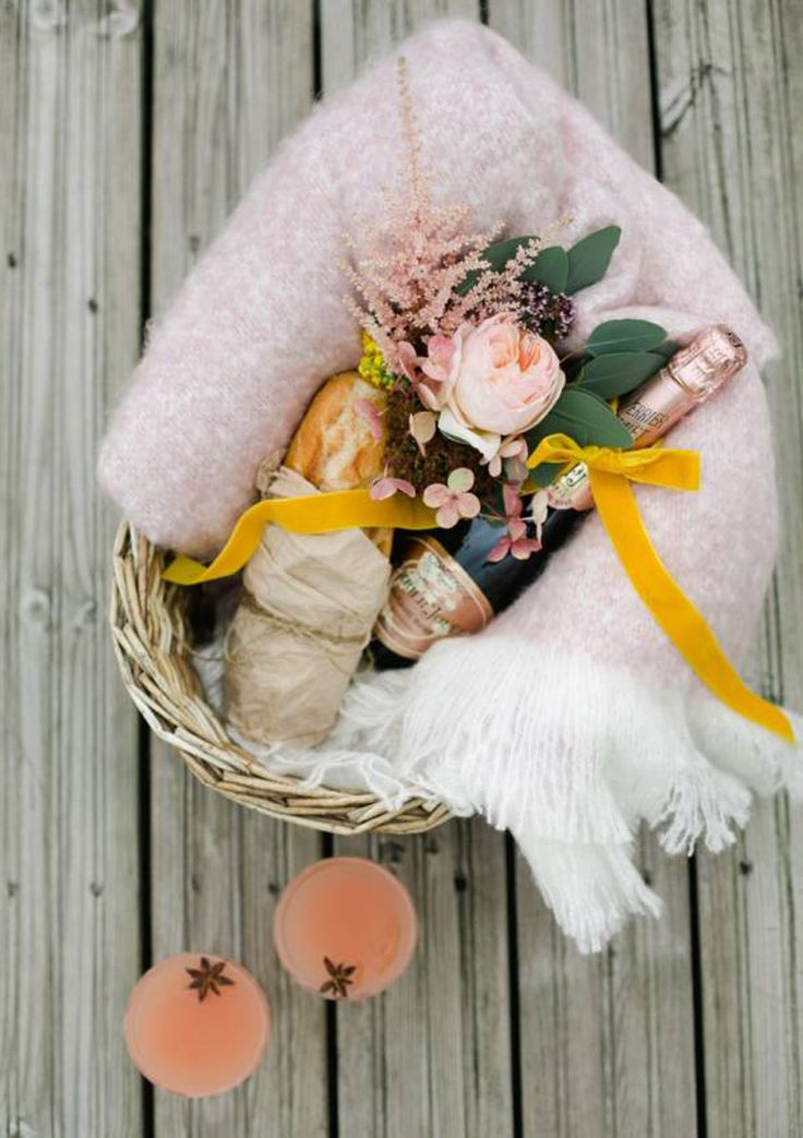 Waterside Bridal Inspiration | Appleberry Press