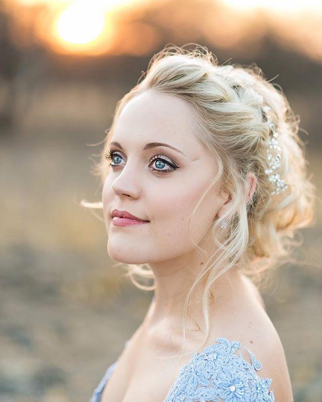 """Keep your eyes on the stars, and your feet on the ground"" - Teddy Roosevelt. #makeup by @angeliquewentzel #DavishPhotography #SophisticatedSimplicity #NaturalLight #southafrica #portrait #portraitphotographer #weddingphotographer #lifestylephotographer #lifestyle #southafricanphotographer #photoshoot #girlboss #communityovercompetition #iamnikon #thruthelens #d810 #style #beautiful #photooftheday #weddingfriends #prettysessions #creativelifehappylife #creativepreneur #mycreativebiz…"