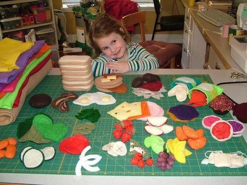 Lots of felt food ideas here with some directions: Crafts Ideas, Felt Plays Food, Kids Crafts, Felt Fun, Fun Felt, Felt Toys Tutorials, Felt Food, Fabulous Felt, Sewing Quilts Crafts Projects