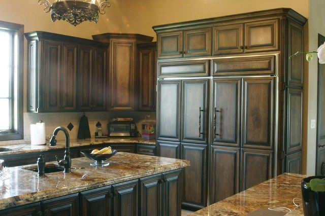 Stain Grade White Maple Wood Traditional Kitchen Cabinetry