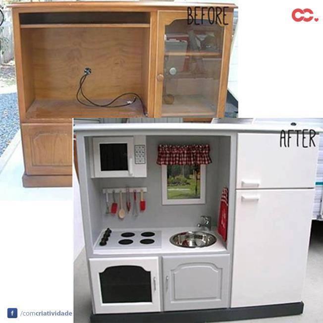 Veja como uma estante antiga vira uma mini cozinha para a criançada se divertir!