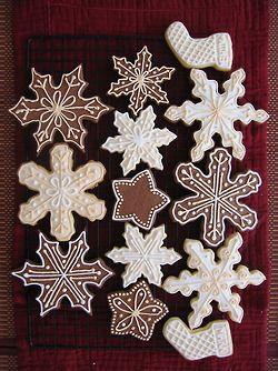 @Hosanna LaMancusa LaMancusa Mullen, gingerbread snowflakes this year? Do you guys have snowflake cutters?