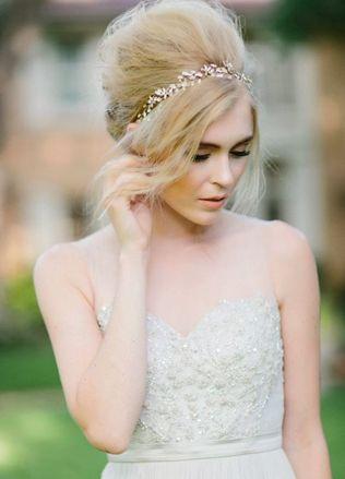 Французский пучок: лучшие идеи для свадебной прически - The-wedding.ru