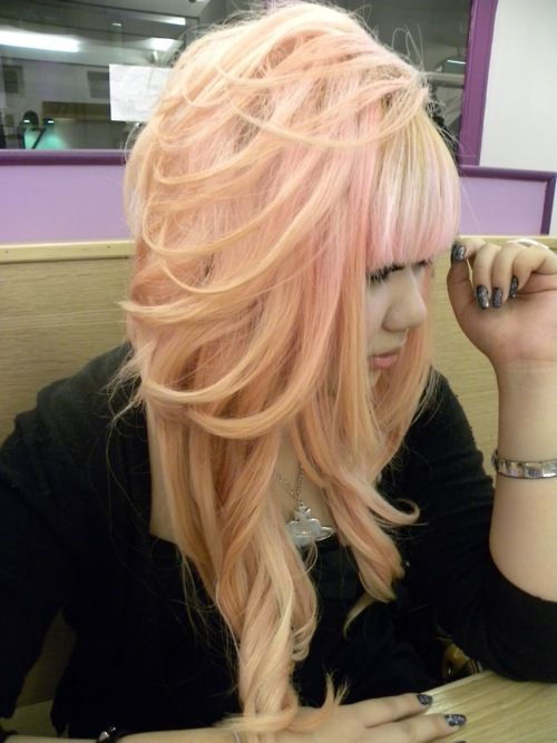 I make no apologies for wanting peach hair
